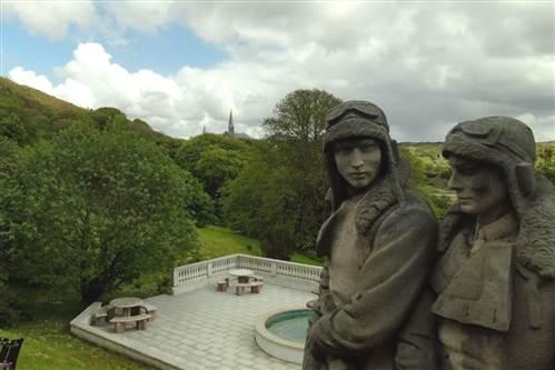Alcock & Brown Statue