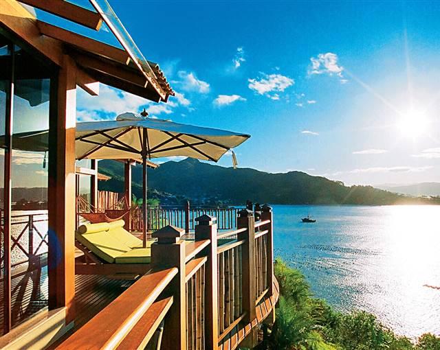 Ponta Dos Ganchos Resort Brazil sun