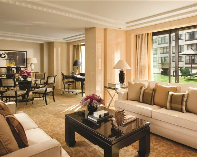 four seasons park lane suite 2
