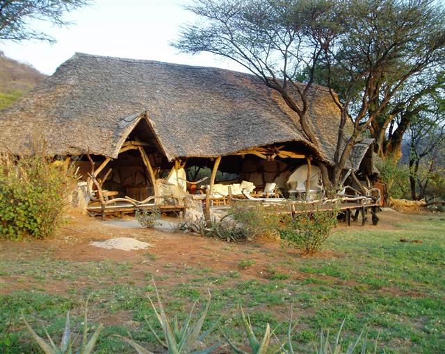 sarara camp kenya house