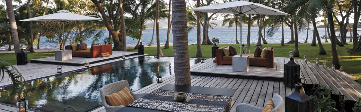 Dolphin Island_Fiji_pool