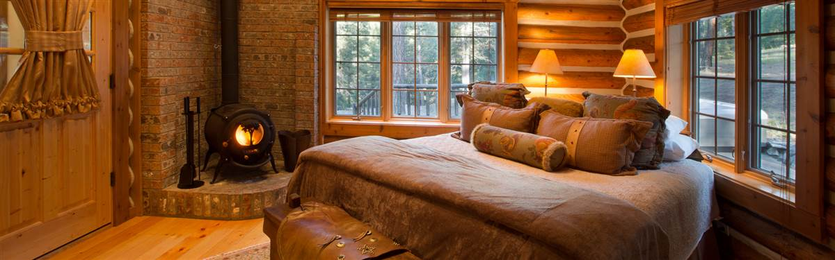 Triple Creek Range Montana bedroom