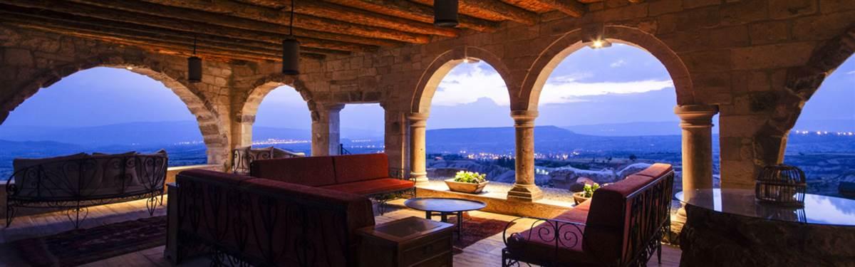 museum-hotel-cappadocia-Turkey-balcony