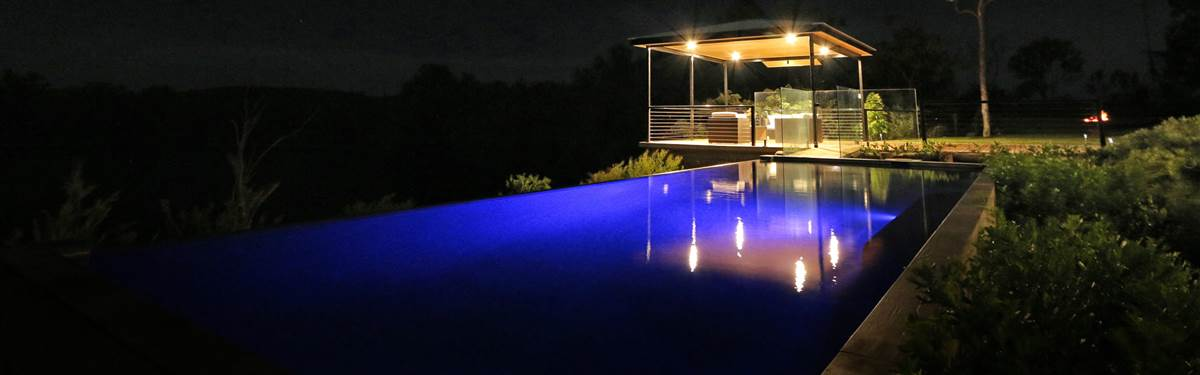 crystalbrook lodge   night pool