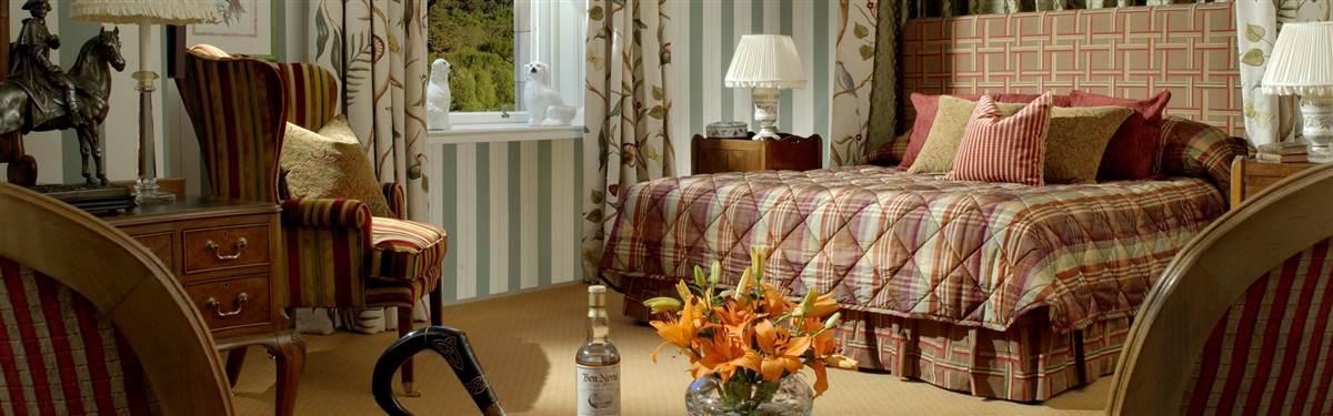 inverlochy castle scotland bed room