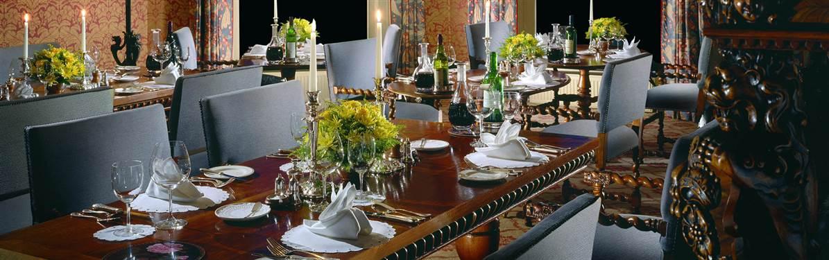 inverlochy castle scotland diningroom