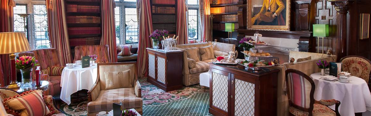 milestone hotel  lounge
