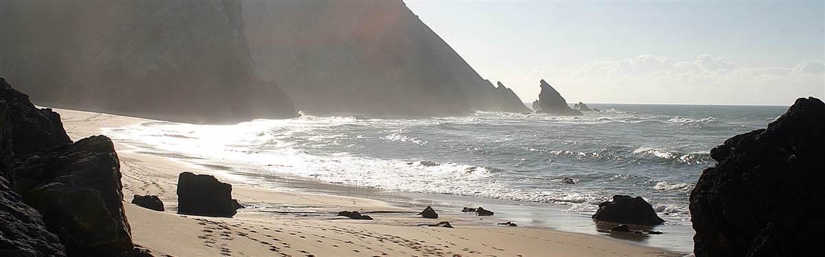 rsz elegant portugal praia da adraga 1