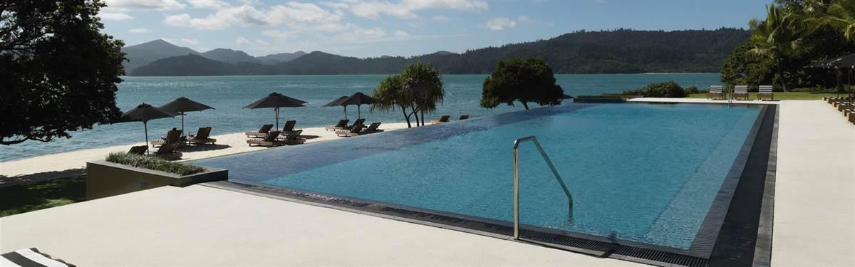 qualia hamilton island-australia pool