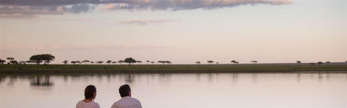 serengeti pioneer camp sundowners at mag