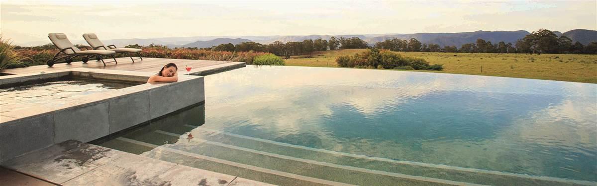 spicers peak lodge  swimming pool