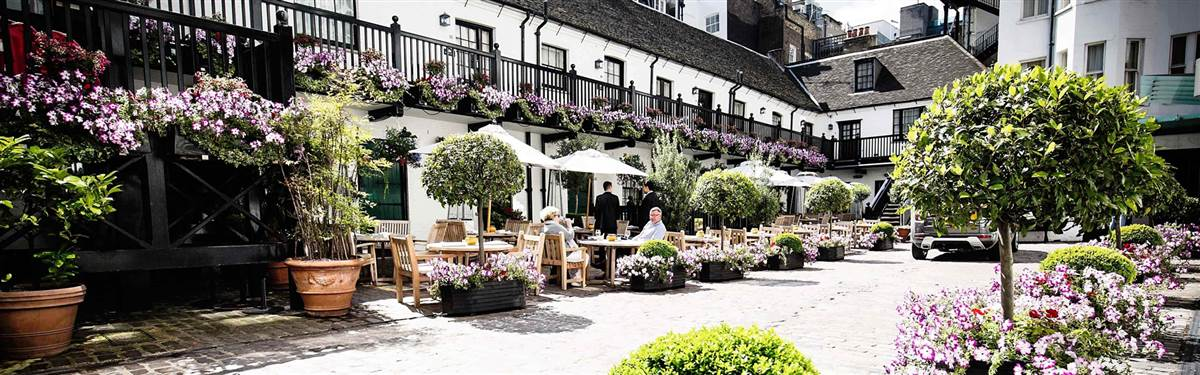 the stafford london courtyard