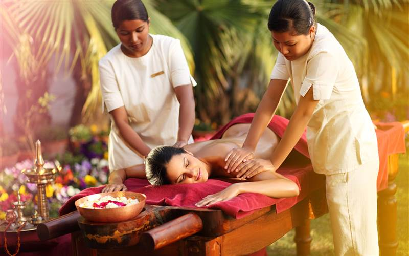 Abhyanga massage in Ananda Spa, luxury hotel in The Himalayas