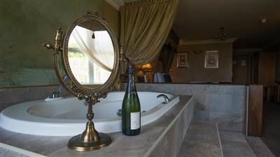 Bridal Suite Jaccuzi (Copy)