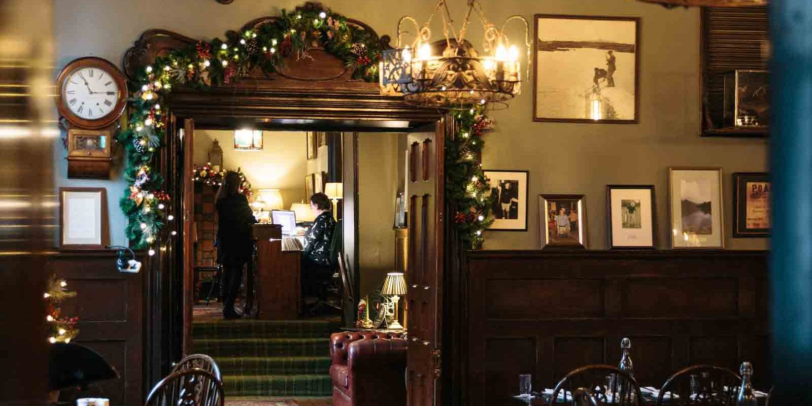 Fishermans Pub at Christmas