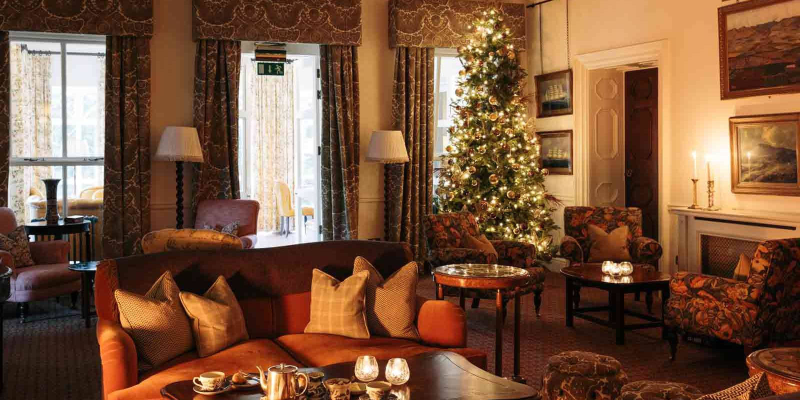 Ballynahinch Hunts Room at Christmas