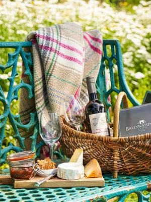 Wine Hamper web