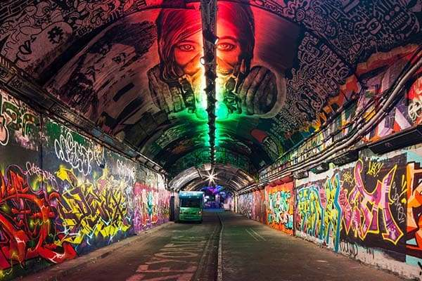 600x400 london graffiti tunnel