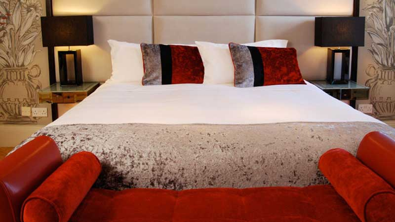 Hotel Accommodation in Belfast with a Deluxe Double King Size Bed
