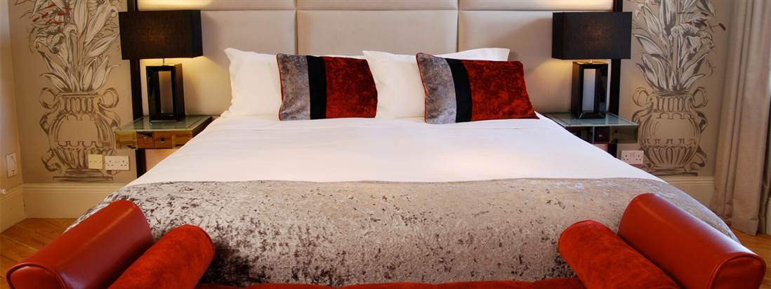 Boutique Hotel in Belfast Room with King Size Bed