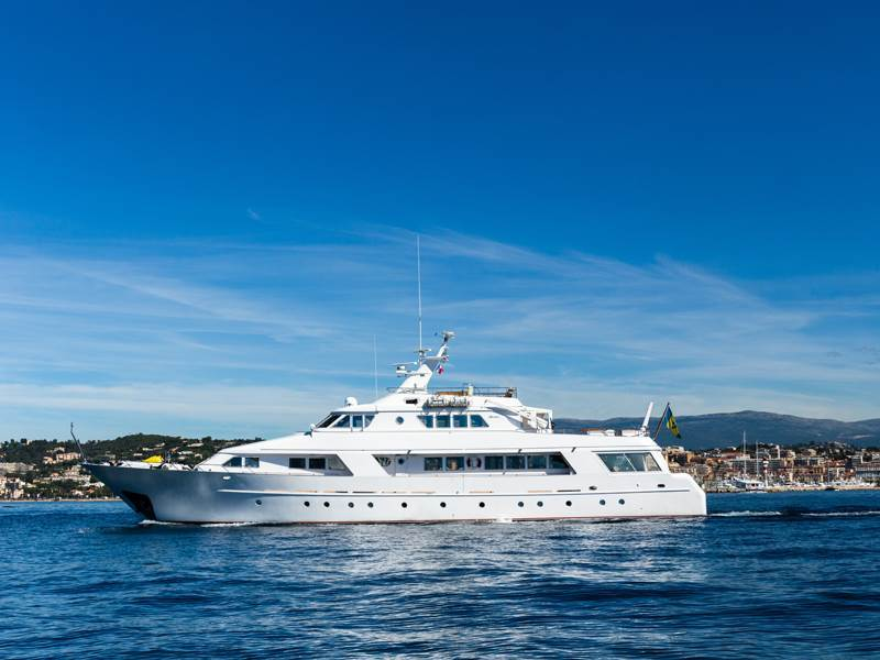 yacht-02