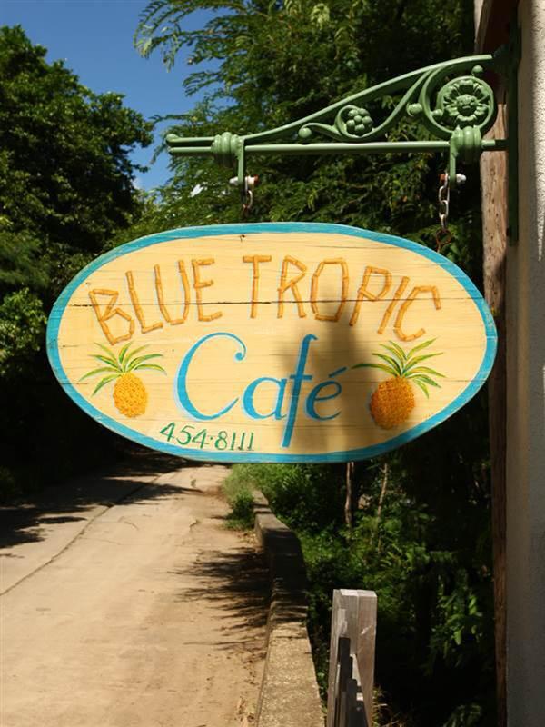 restaurant-blue-tropic-1_1