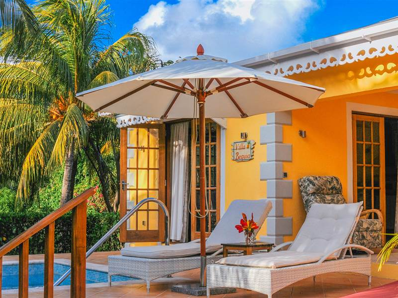 2 bedroom villa with pool