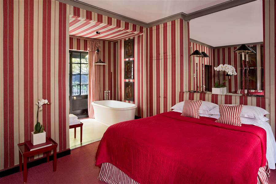 Signature Double - Red Striped Room
