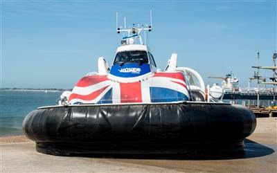 Hovertravel -  Solent flyer departs SSea