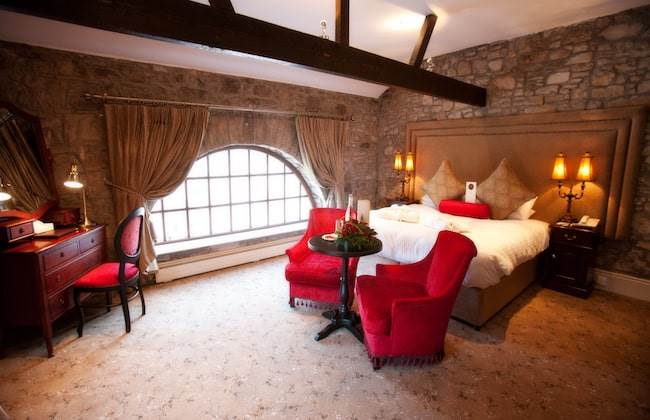 1 Night B&B with Wine & Chocolate in Courtyard Room €110.00 per person