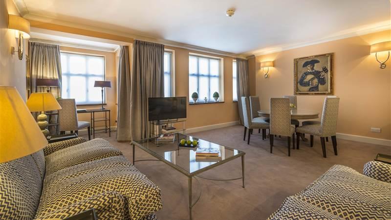 507 Living room 3
