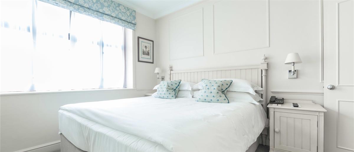 Apartment 504 Bedroom
