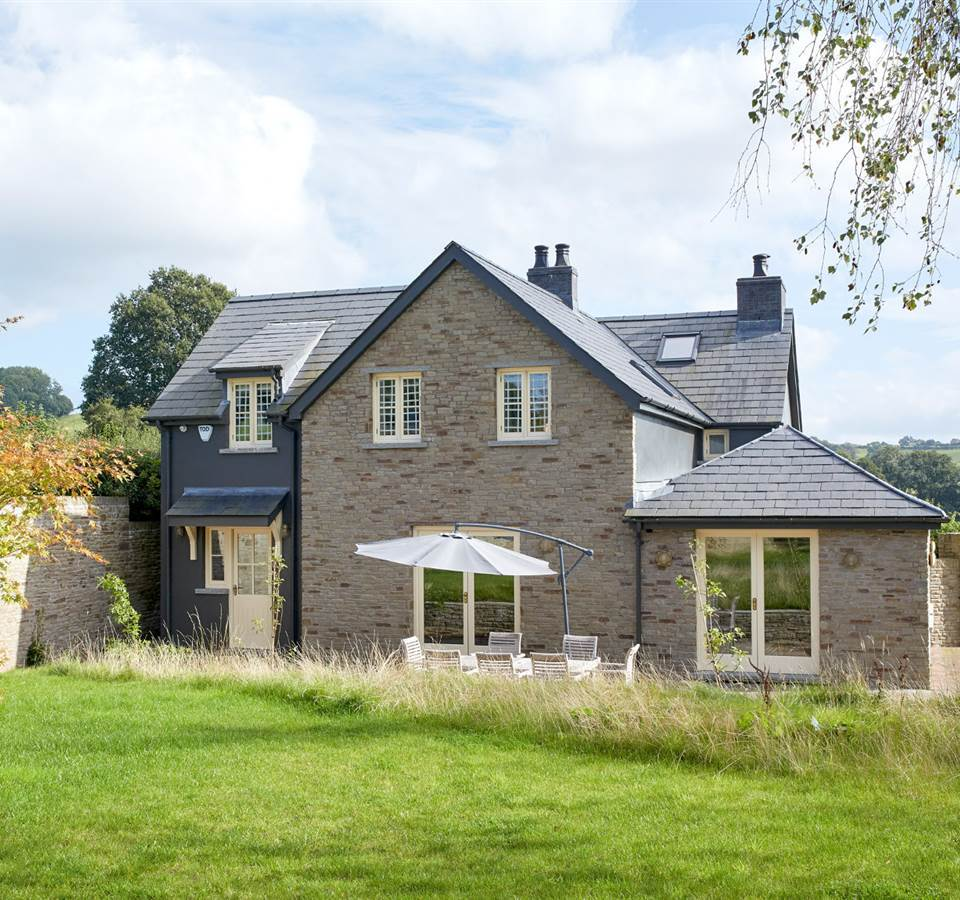 Self catering accommodation fro 6 in Llanvetherine Abergavenny