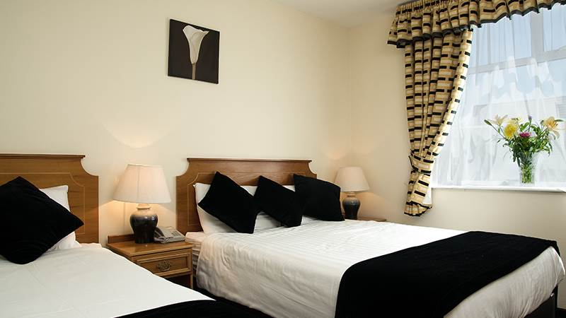 Triple Room with double and single bed en-suite