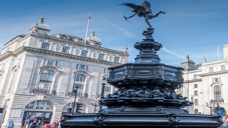 piccadilly circus8
