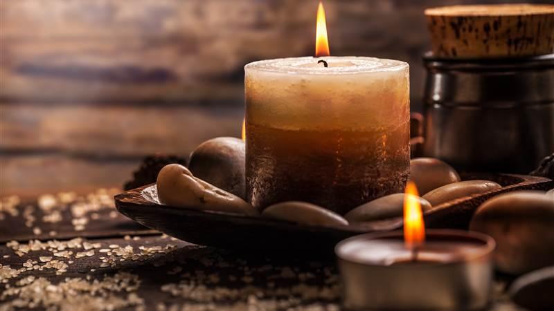 AdobeStock 98689355 candles