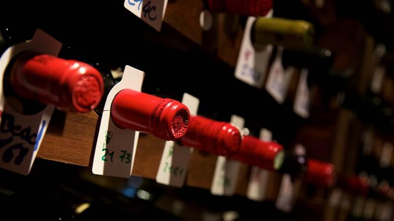Fine Wine Friday: BURGUNDY & BORDEAUX