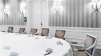 Salon 2 boardroom set-up
