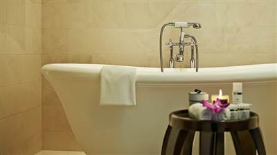 Royal Suite Bath 1
