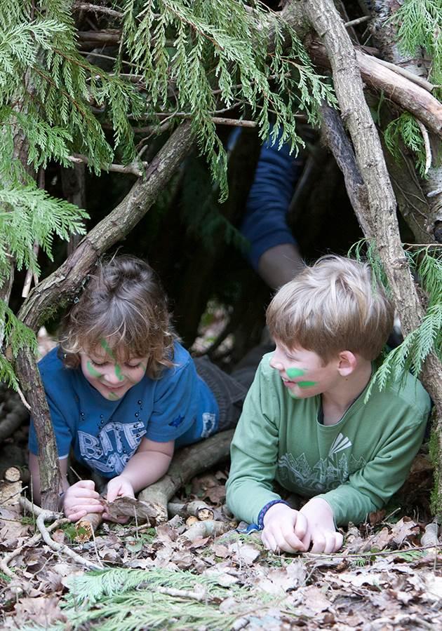 Sharky and George   wood hut homepage (1