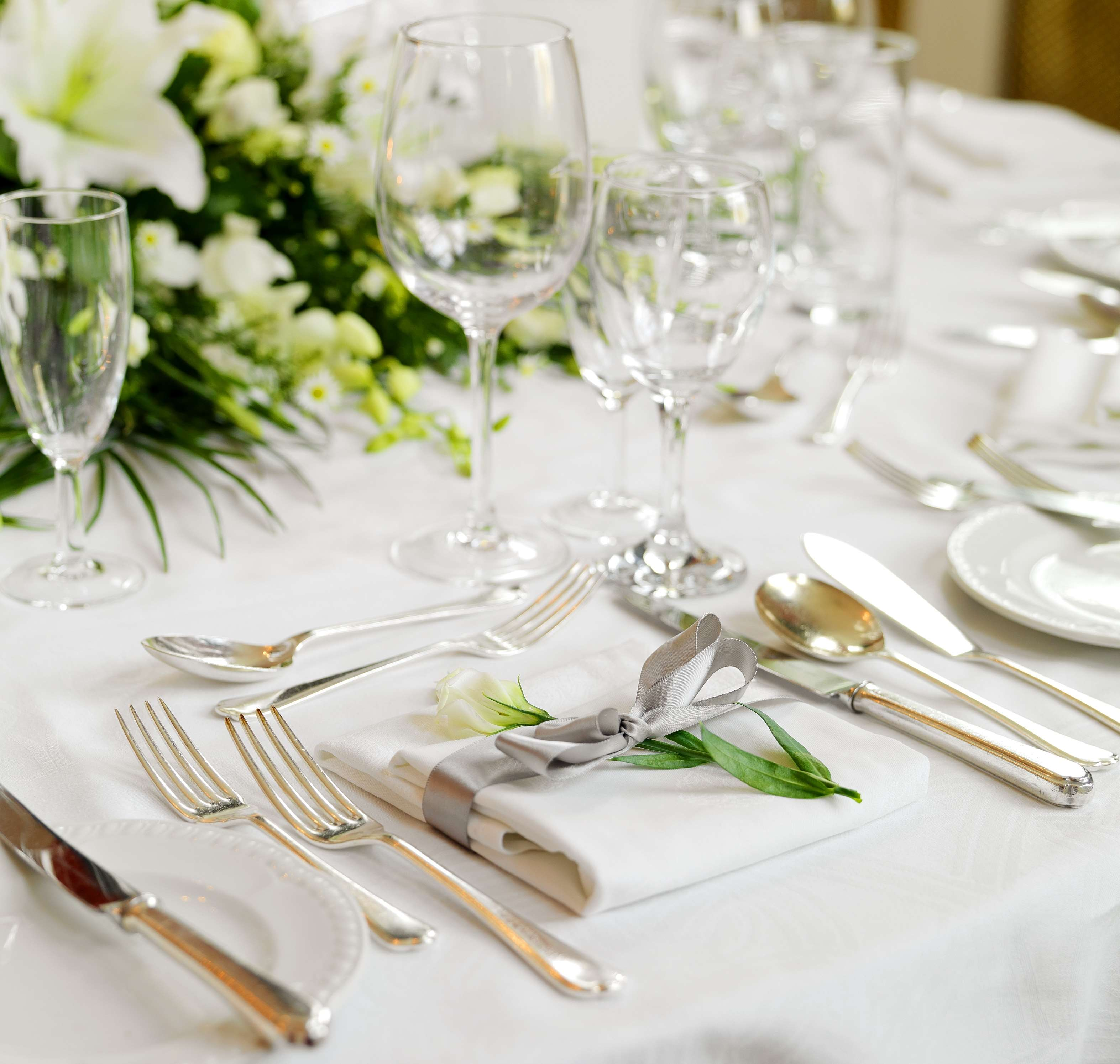Place setting with ribbon