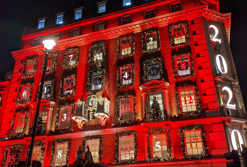 The most beautiful Christmas decorations in Mayfair