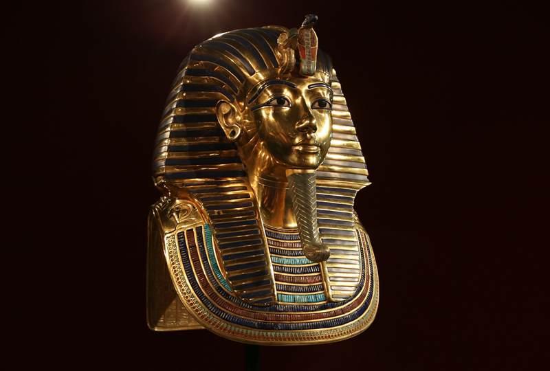 gold mask 3847487 1920