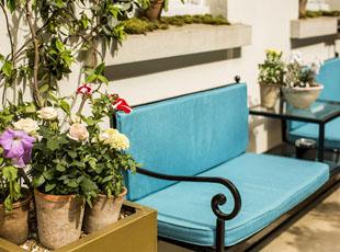 Flemings Mayfair - Outside Sitting Area