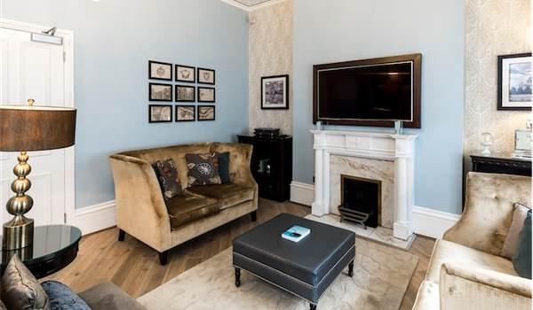 602 Living Room5