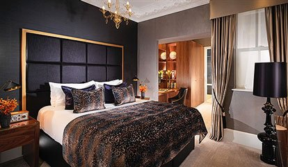 1 suite bedroom in a luxury mayfair apartment