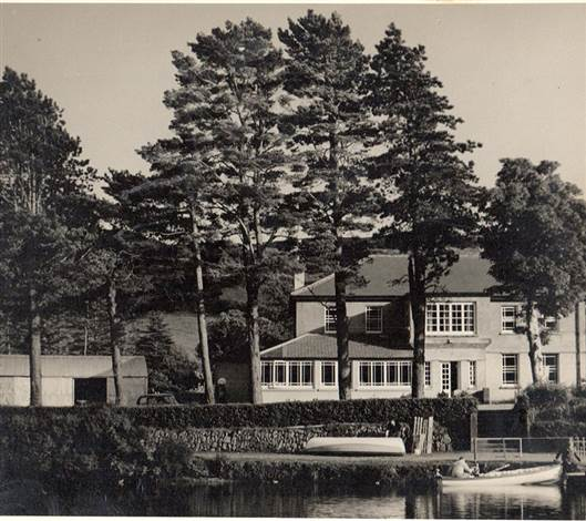 Gougane-Barra-Hotel-in-1950s