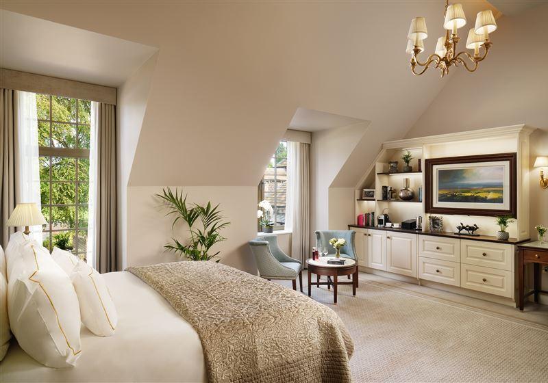 GrantleyHall Accessible Suite Bedroom Ja
