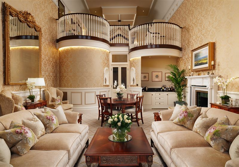 GrantleyHall RoyalSuite Livingroom 2 Jac