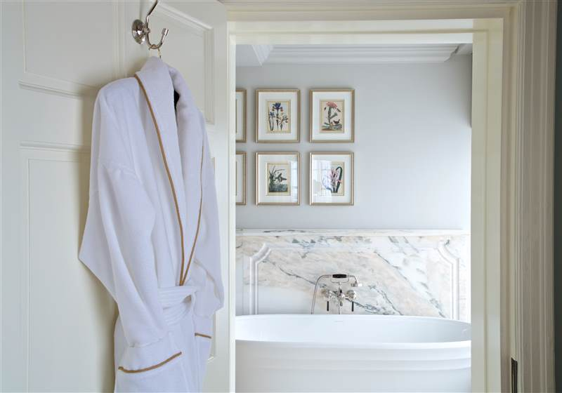 Grantley Hall Bedroom  52(resized)